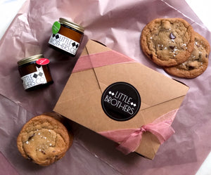 Homestead Cookie Box and Candle Gift Bundle