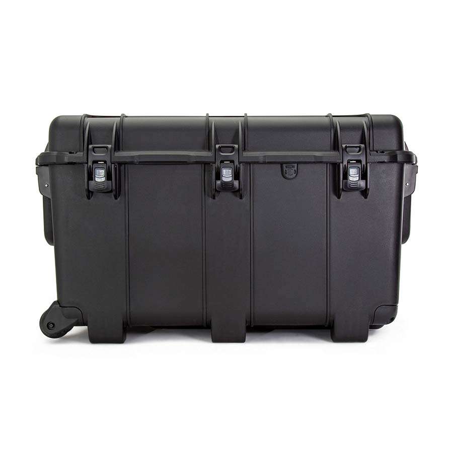 NANUK 975 Hard Case Specifications Latches