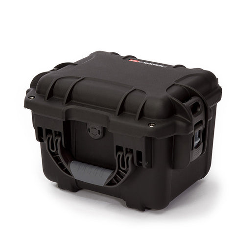 The NANUK 908 protective case comes with a soft grip and ergonomic handle to make it easy to transport.