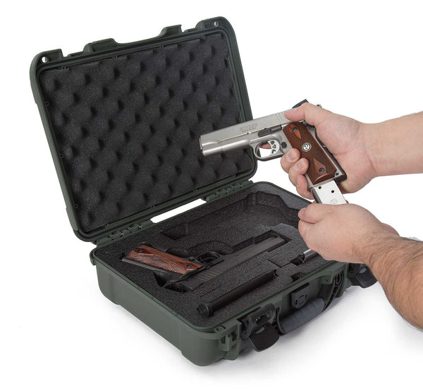 This transport case is also equipped with an automatic pressure release valve and an integrated bezel system to accommodate custom panels without needing to drill holes so the case stays watertight.