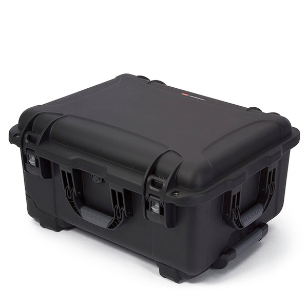 Three soft-grip handles make this wheeled case one of the most convenient and easy-to-handle on the market.
