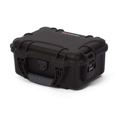 The NANUK 904 protective case comes with a soft grip and ergonomic handle to make it easy to transport.