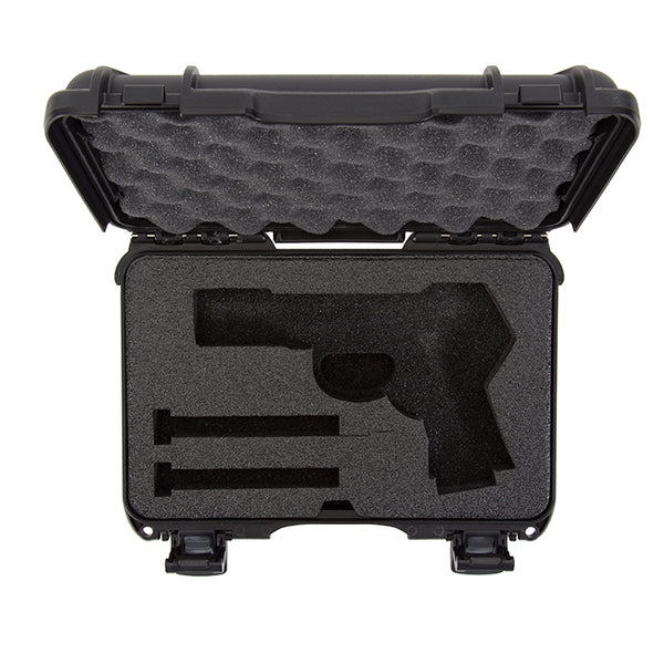 The NANUK 909 Classic Pistol case provides secure storage for many popular handgun models along with space for two (2) single stack magazines or one (1) double stack magazine.