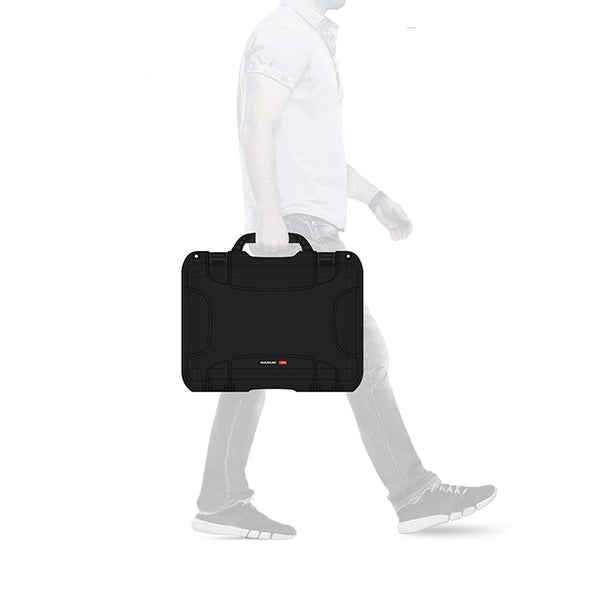 NANUK 923 Laptop Proportions