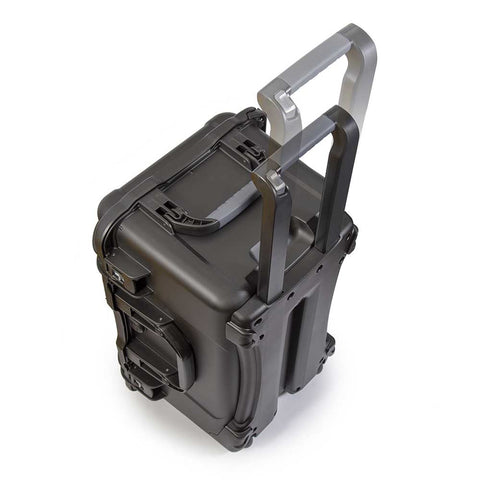 The 938 waterproof hard case is impenetrable and indestructible with a lightweight, tough NK-7 resin shell and it's dual PowerClaw latches.