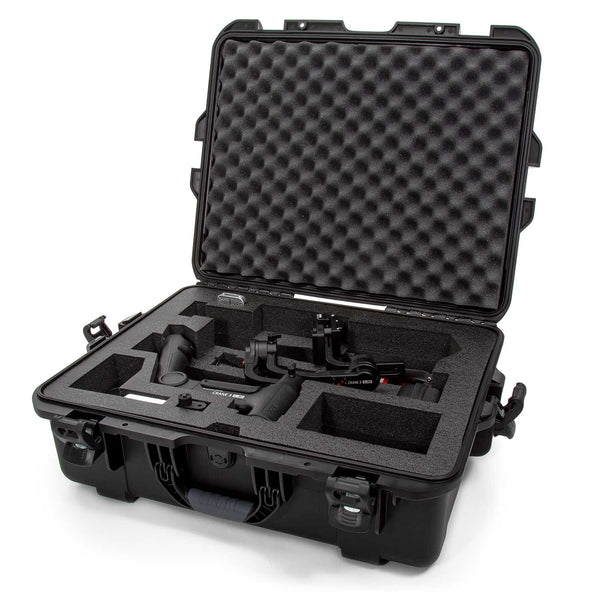 The NANUK 945 For Zhiyun™ Crane 3 Lab protective case comes with a soft grip and ergonomic handle to make it easy to transport.