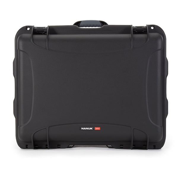 """Even at 20.5"""" long and 15.3"""" deep, the NANUK 950 makes moving heavy equipment easy."""