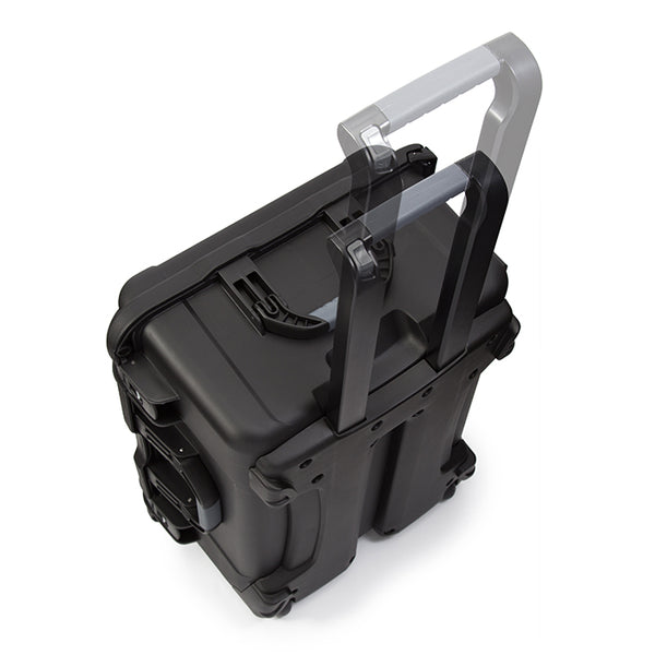 The NANUK 950's ergonomic handles feature stainless steel hardware and integrated handle stays to keep the handles out of harm's way when traveling or during shipping.