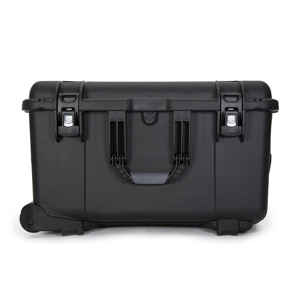 The NANUK 960 hard case offers the maximum level of protection for all of your professional equipment.