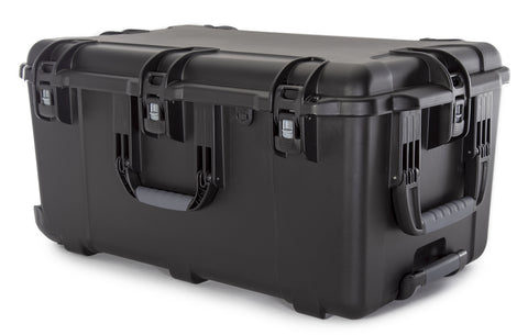 The NANUK 965 hard case will take extreme abuse with the maximum level of protection for all of your professional equipment.