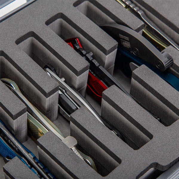 The NANUK 909 8-Knife Case has two reinforced metal eyelets which accommodate TSA-accepted case locks for additional security. Compatible with Spyderco, Kershaw, Benchmade, Cold Steel, Zero Tolerance, CRKT, Buck, Gerber, SOG and many other knife brands.