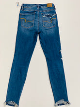 Load image into Gallery viewer, American Eagle Womens Denim Size 2 (26)-9530CD2C-C67B-4BB6-ACF0-0D34396051E3.jpeg