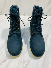 Load image into Gallery viewer, Timberland Boots 8.5-E9E2B558-6F2F-4D9D-8850-F5E60EE24B01.jpeg
