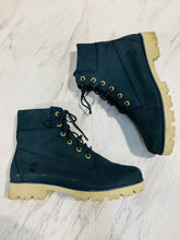Load image into Gallery viewer, Timberland Boots 8.5-52AF9584-955D-4964-8FBC-9AE21DEAA251.jpeg
