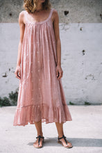 Load image into Gallery viewer, Nicol dress windy design antique rose