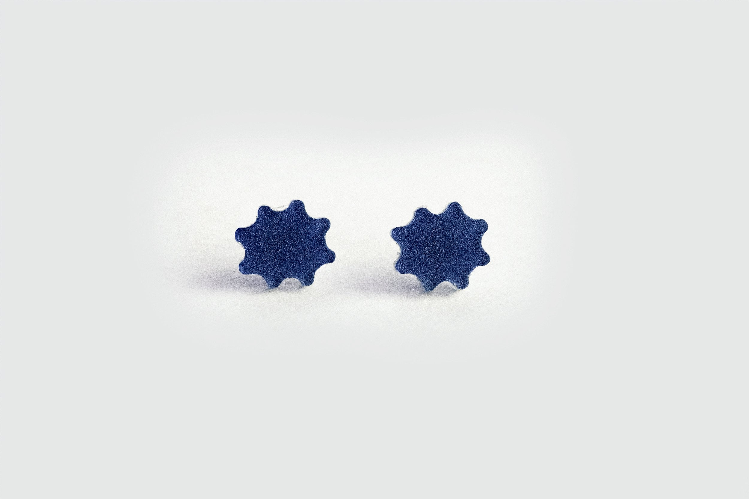 Ecoresin Scallop Earrings - Small Stud