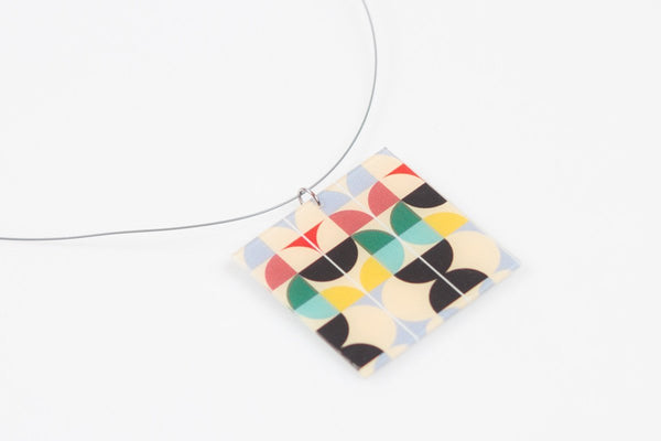 Mid Pop Necklace - Lrg Square