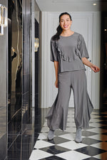 Beautifully cut silk pants that look and feel amazing. Suitable for evening to casual in any season. Colour granite.