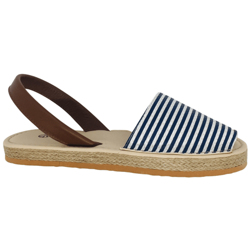A classic style with a difference. Snake skin print striped leather and tan leather sling back, rope flat wedge and tan rubber sole make this a great go anywhere sandal. Colour blue stripe
