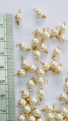 Pearl Hanging (8 mm Round Pearls)