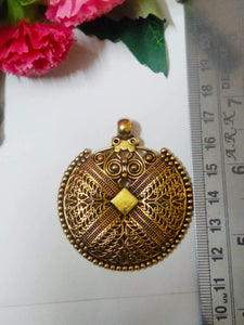 Antique Metal Gold Pendant Apn09 Pendants Gold