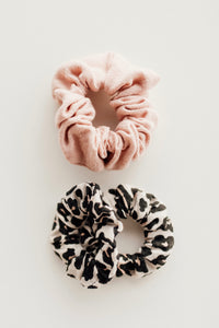 DOLLY + ME LEOPARD SCRUNCHIE SET