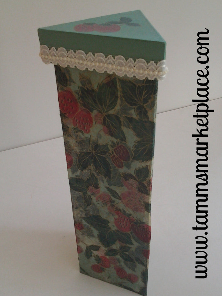 Green Triangle Paper Mache Strawberry Decoupage Box QBX014