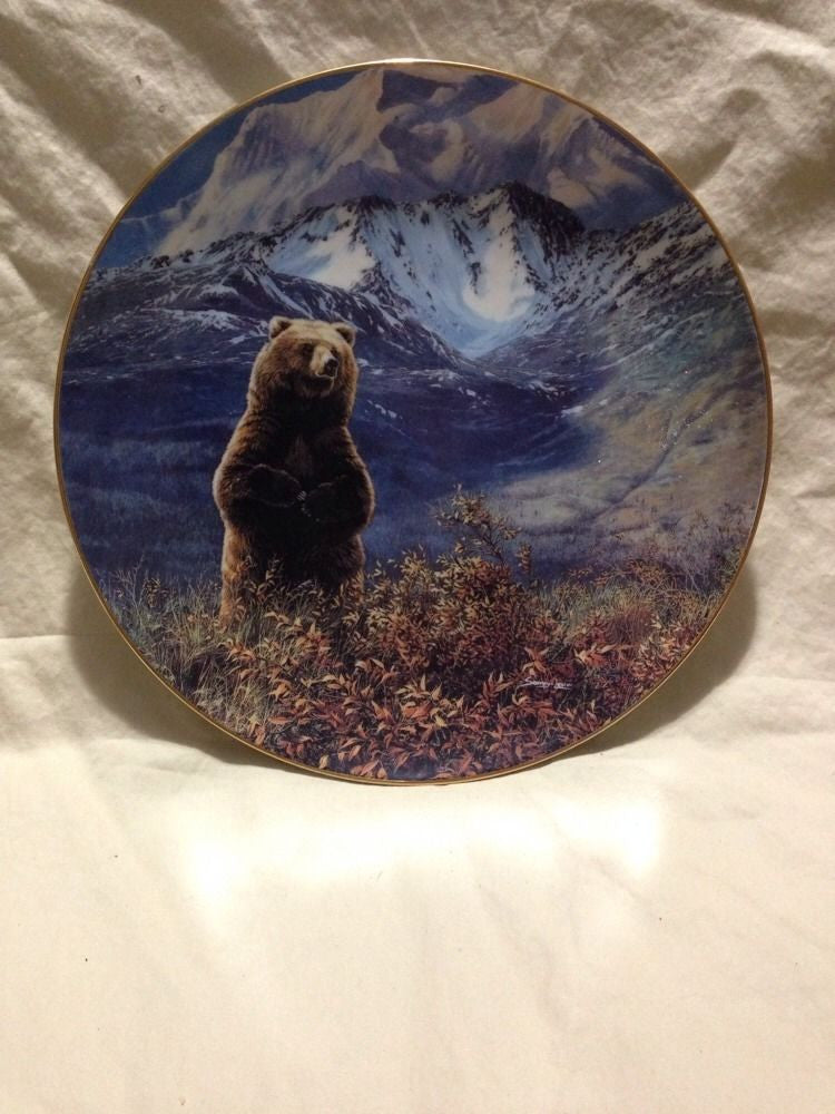 High Country Champion Collector's Plate #1418A of Bear Tracks at Bradford Exchange CP013