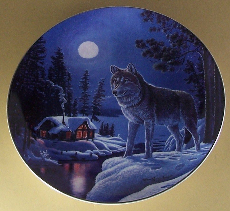 Snowy Lookout Collector's Plate #3063B of Nightwatch: The Wolf at Bradford Exchange CP029