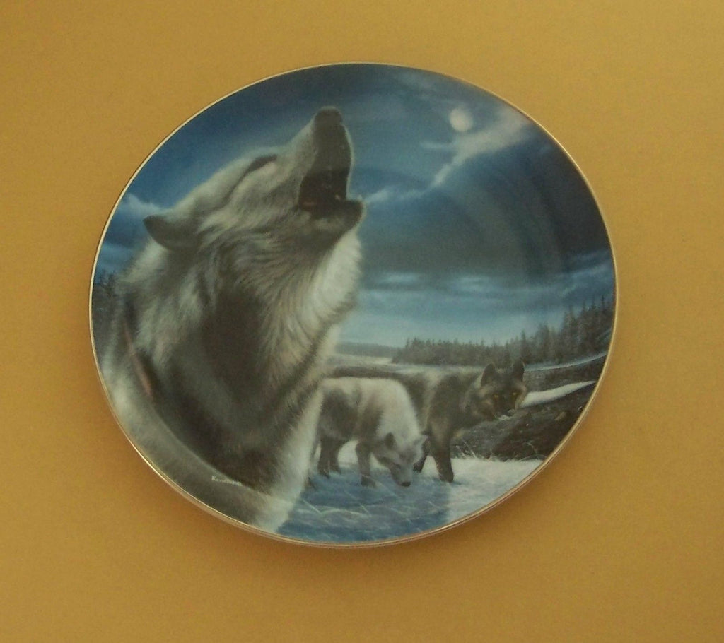 Night Sentries Collector's Plate #649A of Realm Of The Wolf at Bradford Exchange CP033