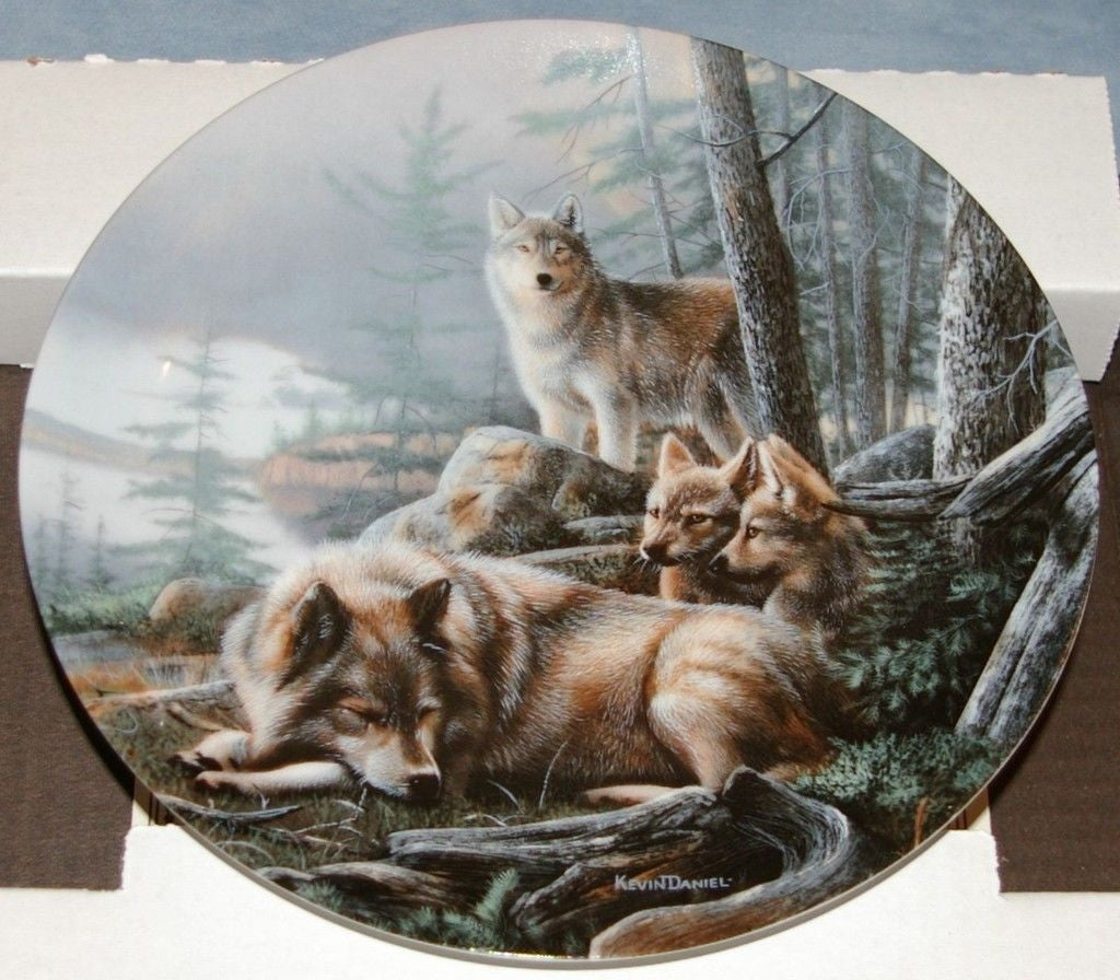 Silent Watch Collector's Plate #9812A of Call Of The Wilderness at Bradford Exchange CP041