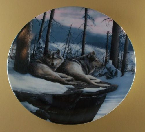 Twilight Friends Collector's Plate #1384C of Call Of The Wilderness at Bradford Exchange CP044