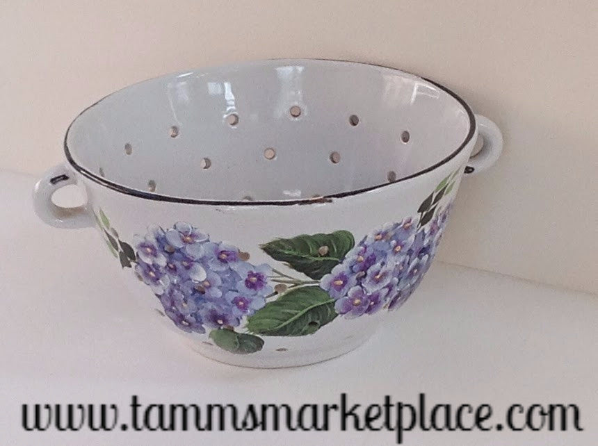 Hand Painted White Porcelain Colander with Purple Hydrangea Flowers and Leaves MKA017