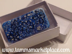 Snowy Blue Domino Pin with Flowers and star jewels MKP014