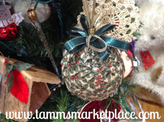 Pine Cone Ribbon Ornament QOR007