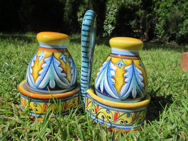 ceramic salt and pepper set