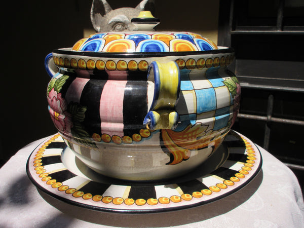 Tuscan soup tureen with platter in a very modern design and colour but traditional shape