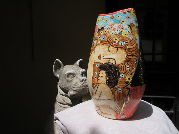 Modern shape and design for a Klimt flower vase