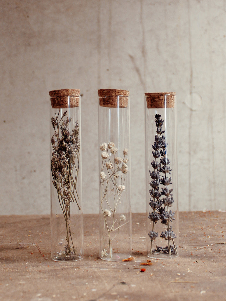 Floral whites in a jar - XS