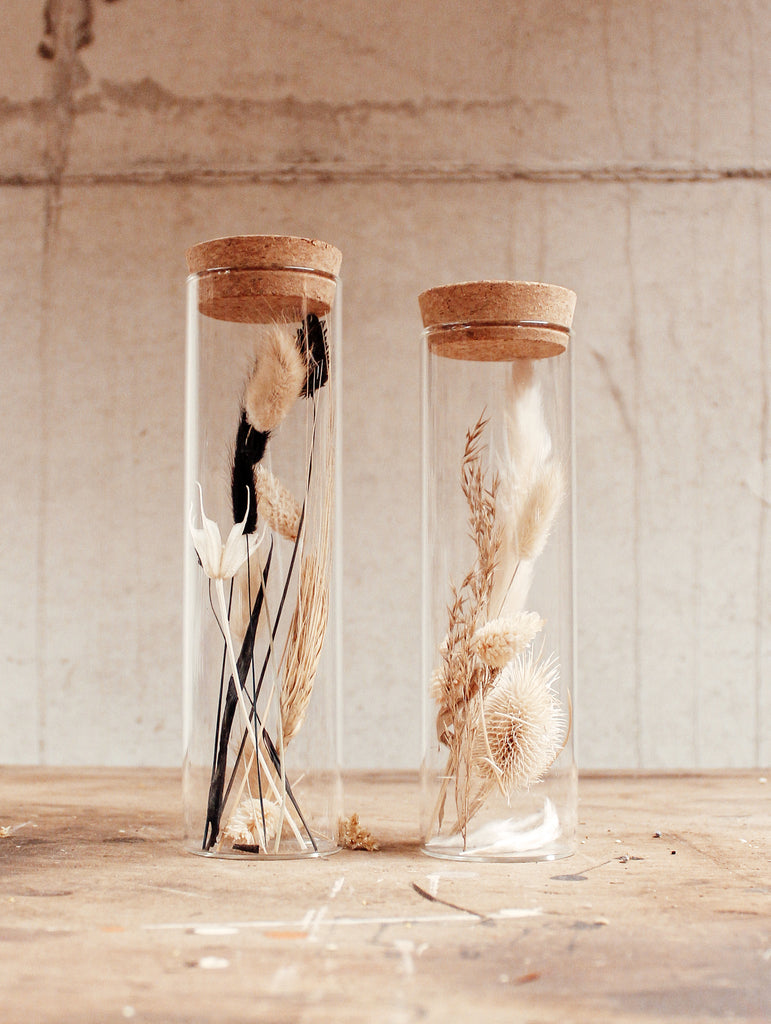 Neutrals by night in a jar - L
