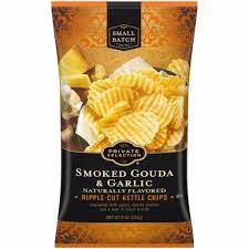 Private Selection Smoked Gouda & Garlic Kettle Chips 8oz
