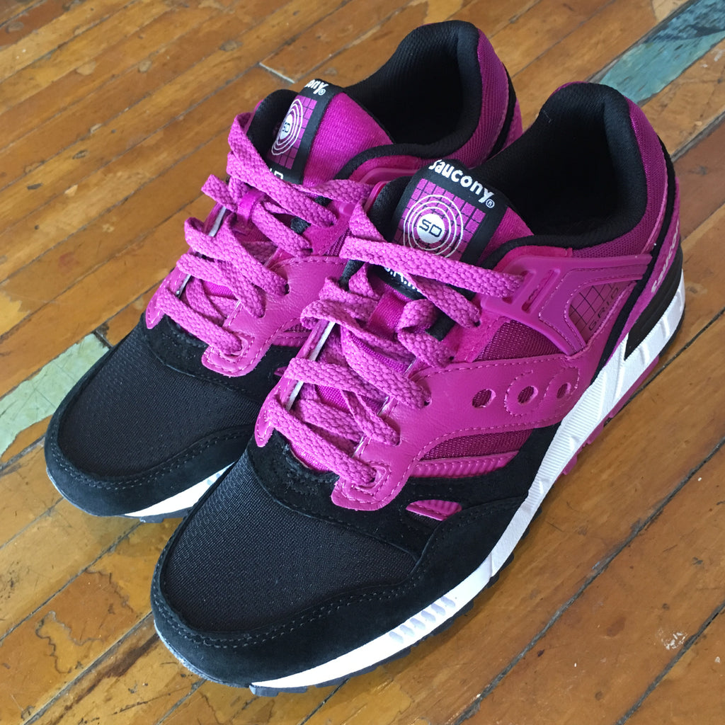 "Saucony Grid SD (Berry/Black) ""Kentucky Derby Pack"" - Epocha Shoe Gallery"