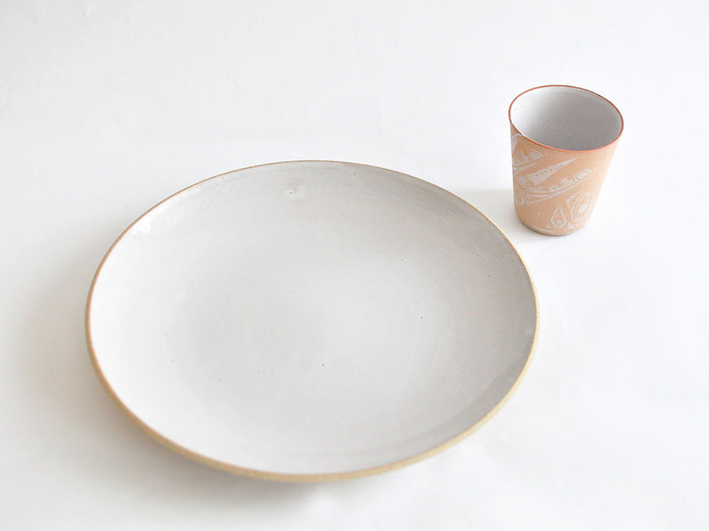CULTIVATE BOUNOTU CLAY Plate L 27cm OF WHITE | ONE KILN