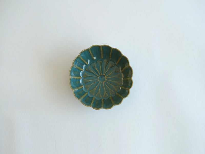 Green glaze Chrysanthemum flower bean bowl 9cm | Kenji Yanagawa