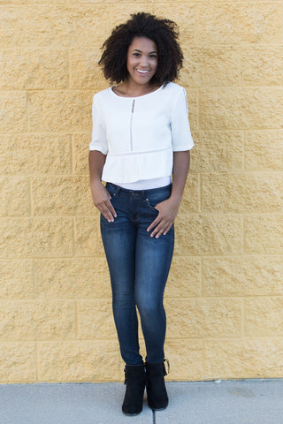 776728dde01 Simple and perfect for fall. White tops are probably the easiest way to  keep white in your wardrobe after Labor Day. Just pair it with jeans and  booties!