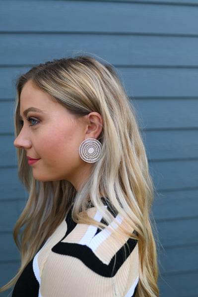 Arabella- Detailed Circle Post Earrings