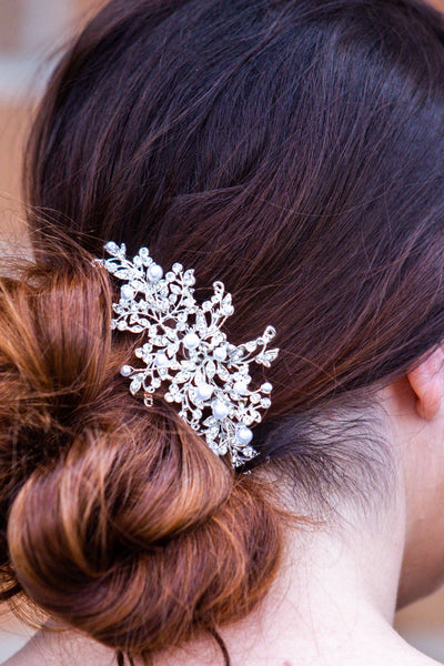 Sky- Pearl Detailed Vine Hair Comb