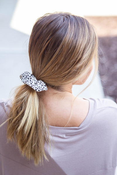 Leopard Scrunchie White