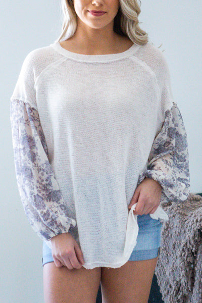 Lovely-Contrast Floral Sleeve Knit Top