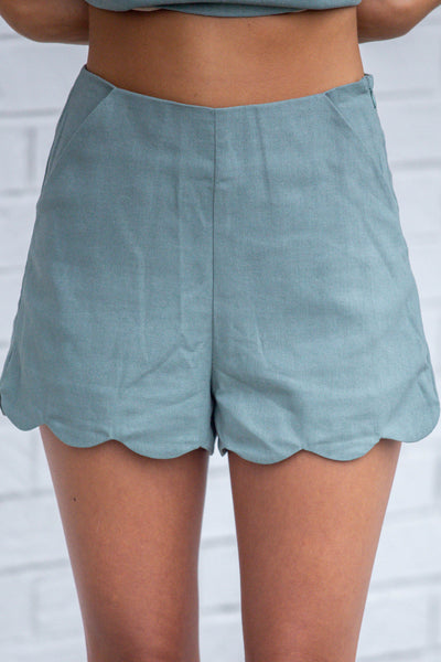High Horse-Scalloped Hem Linen Shorts